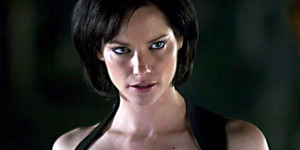 Sienna Guillory fala sobre os rumores de sua saída de Resident Evil: Retribution